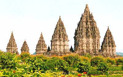 http://sonya71.files.wordpress.com/2008/04/candiprambanan.jpg